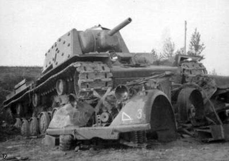 Soviet-KV1-tank
